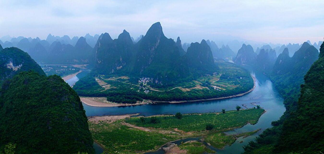 Crucero por los bonitos paisajes del río Li en Guilin