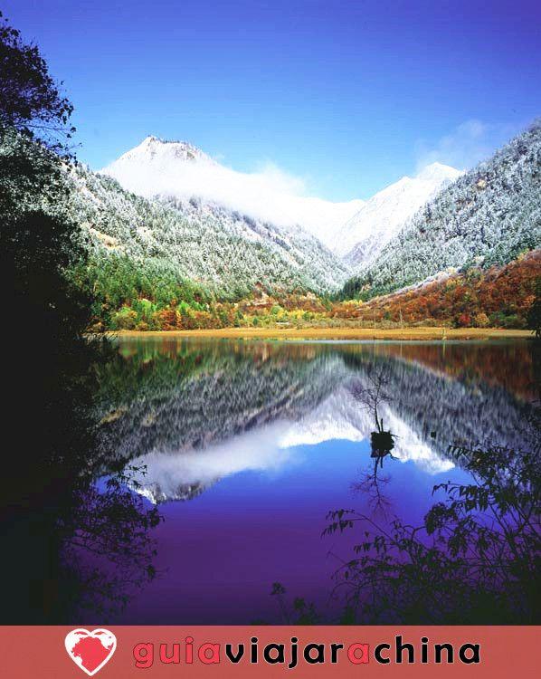 Valle del Jiuzhaigou - los más bellos paisajes acuáticos de China 6